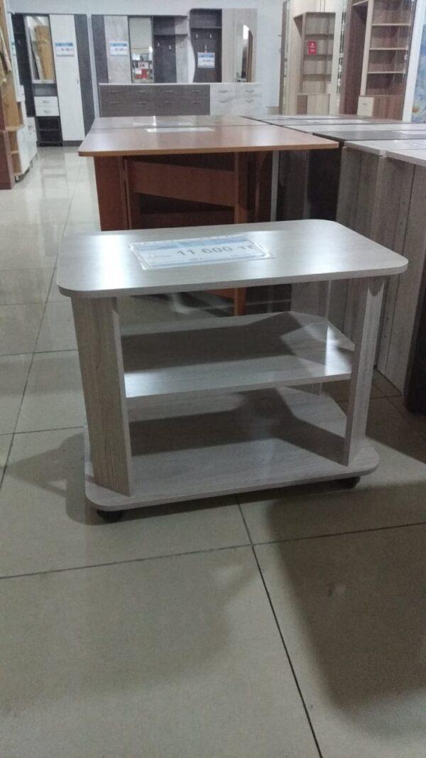 Журнальный стол на роликах